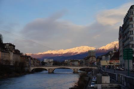 La démocratie Made In Grenoble … Des citoyens bruxellois.es au pouvoir?